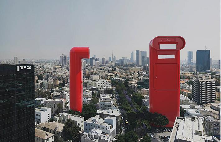 МейлПарк, Тель-Авив, 2009 год. В Тель-Авиве практически все белое. Я решил разбавить город громадными красными почтовыми ящиками.